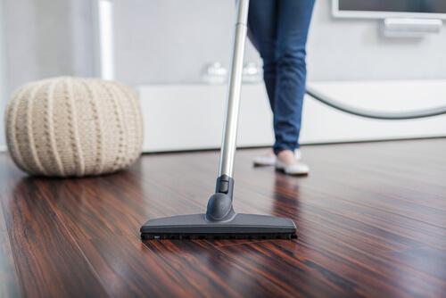 Podłoga olejowana – najważniejsze zasady pielęgnacji i użytkowania