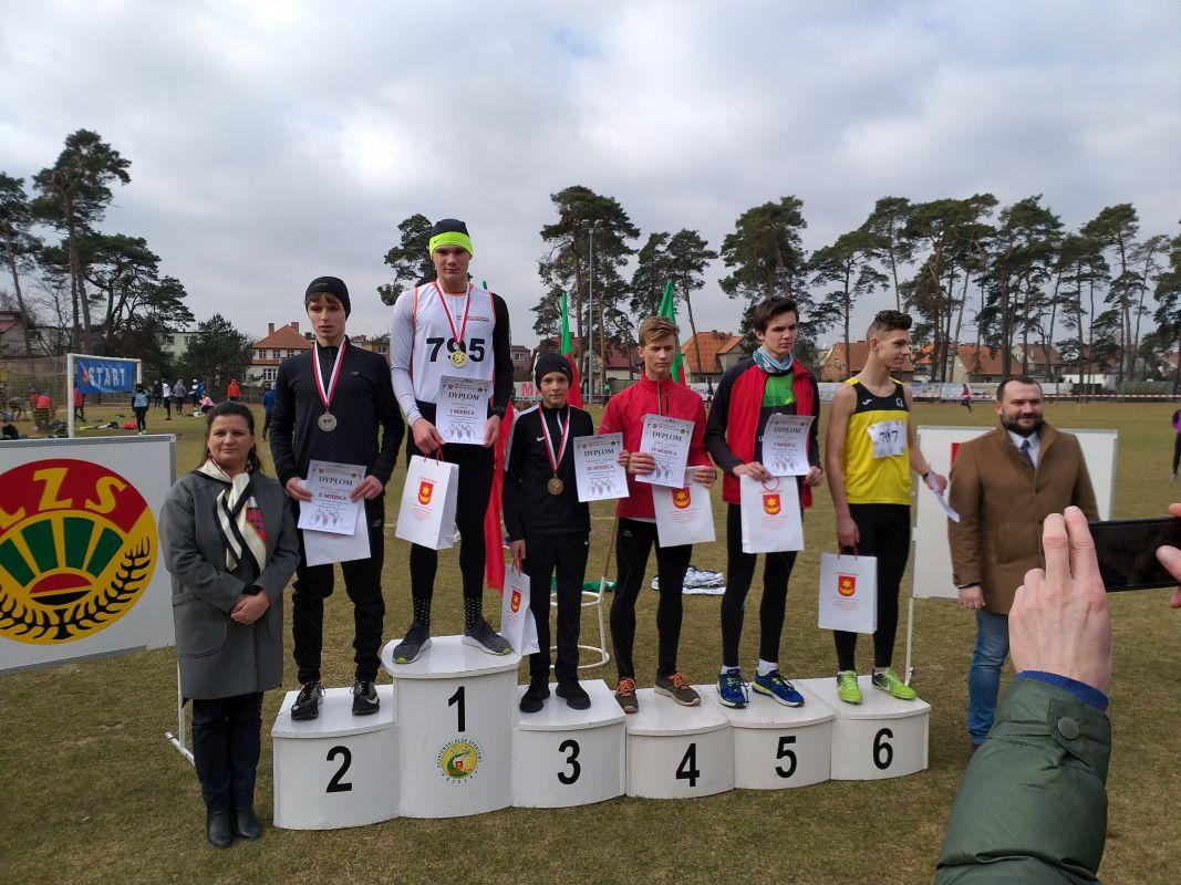 Sukces drużynowy biegaczy KS Parkiet Hajnówka