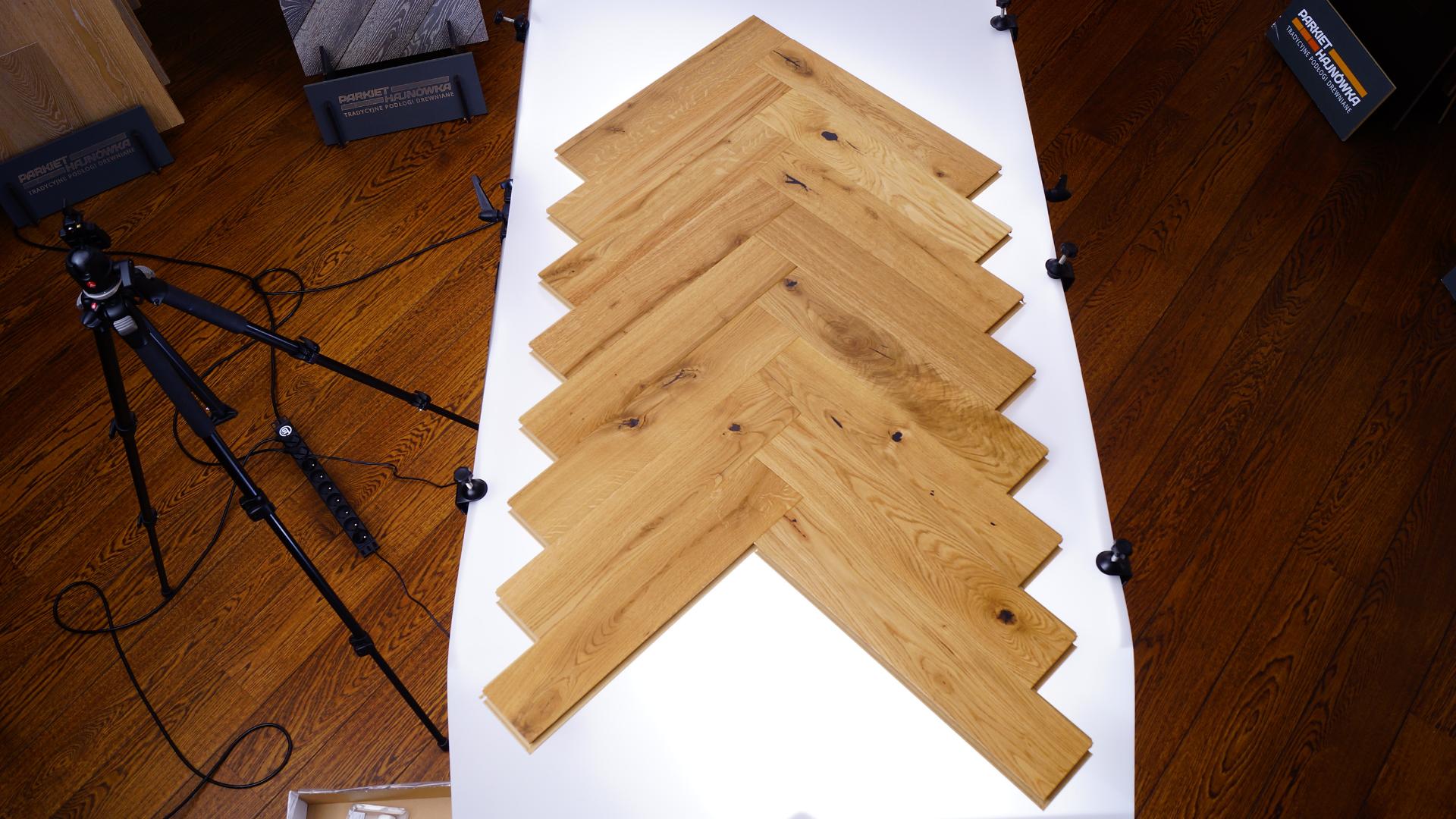 Jaka podłoga do salonu 2021? Stworzyliśmy ulepszoną deskę podłogową